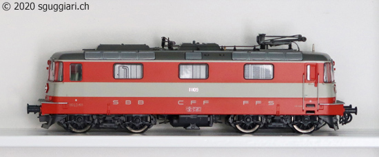 Roco 62690/68690: Re 4/4 II 11109 'Swiss Express'